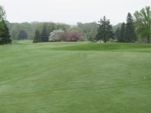 West Bend CC Hole 5: Par 4 (392/386/312/302)