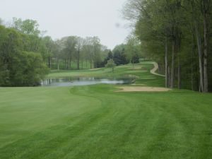 West Bend CC Hole 12: Par 4 (349/335/284/270)