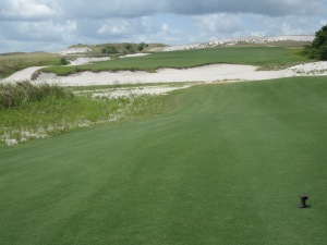 18th hole tee shot on the Red course at Streamsong Resort