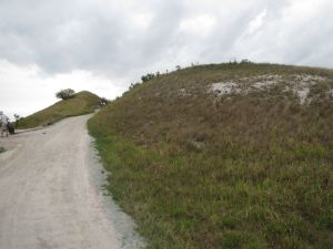 Streamsong Blue: A 75-foot uphill walk to the first hole tee boxes