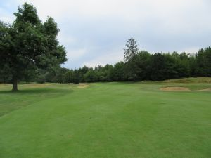 Witch Hollow hole 1: Par 4 (401/379/345/318)