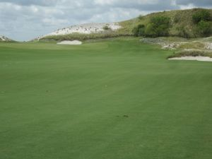 The dramatic 18th hole green complex at Streamsong's Red course in Streamsong, FL (Coore/Crenshaw)