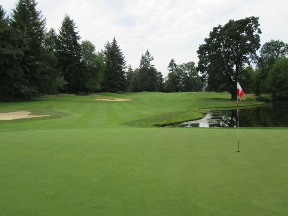 Pumpkin Ridge, Witch Hollow hole 14